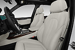 Front seat view of 2018 BMW X5 xDrive40e 5 Door SUV Front Seat  car photos