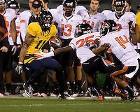 Michael Calvin of California runs the ball during the game against Oregon State at AT&T Park in San Francisco, California on November 12th, 2011.   California defeated Oregon State, 23-6.