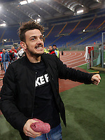 Calcio, Serie A: Lazio vs Roma. Roma, stadio Olimpico, <br /> Roma's Alessandro Florenzi celebrates at the end of the Italian Serie A football match between Lazio and Rome at Rome's Olympic stadium, 4 December 2016. Roma won 2-0.<br /> UPDATE IMAGES PRESS/Isabella Bonotto