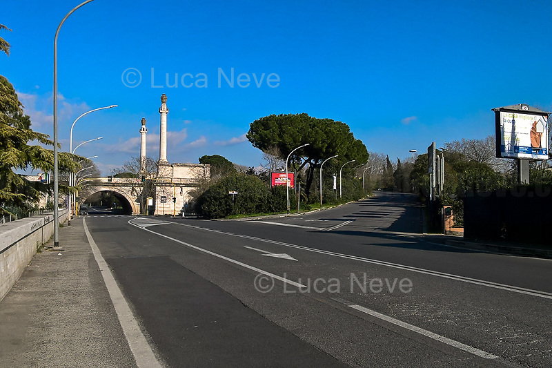 Rome, 15/03/2020. Rome's Olympic Village district under the Italian Government lockdown for the Outbreak of the Coronavirus SARS-CoV-2 - COVID-19. On the 22nd March, the Italian PM Giuseppe Conte signed a new Decree Law which suspends non-essential industry productions and contains the list of allowed working activities, which includes Pharmaceutical & food Industry, oil & gas extraction, clothes & fabric, tobacco, transports, postal & banking services (timetables & number of agencies reduced), delivery, security, hotels, communication & info services, architecture & engineer, IT manufacturers & shops, call centers, domestic personnel (1.).<br />