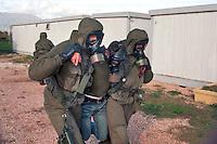 -  Italian army, Interforces School for NBC war, rescue of a poisoned man ....- Esercito Italiano, Scuola Interforze di guerra NBC, salvataggio di un intossicato