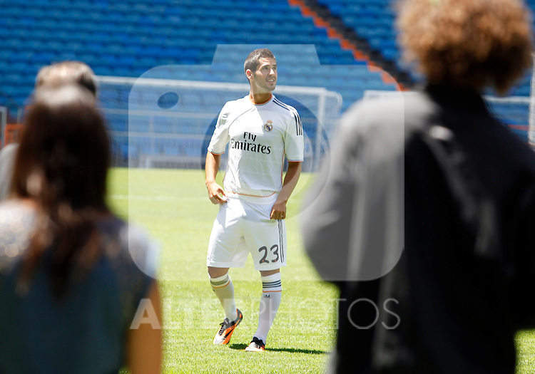 """Francisco Roman Alarcon """"Isco"""" during the official presentation as new player of Real Madrid football club in Santiago bernabeu Stadium in Madrid, Spain. July 03, 2013. (Victor J Blanco/Alterphotos)"""