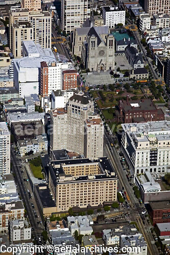 aerial photograph of Grace Cathedral and Mark Hopkins Intercontinental hotel, Nob Hill, San Francisco, California