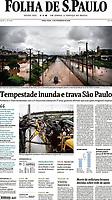 Menina é resgatada de caminhão em meio a enchente na Marginal Tietê. (Foto: Fábio Vieira/FotoRua)