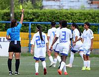 VILLAVICENCIO - COLOMBIA, 17-07-2021: Maria Victoria Daza, arbitra durante partido de la Fase de Grupos de la fecha 2 por la Liga Femenina BetPlay DIMAYOR 2021 jugado en el estadio Parque de la Vida COFREM de la ciudad de Villavicencio. / Maria Victoria Daza, referee during a match of the Group Phase the 2nd date for the Women's League BetPlay DIMAYOR 2021 played at the Parque de la Vida COFREM stadium in Villavicencio city. / Photo: VizzorImage / Daniel Garzon / Cont.