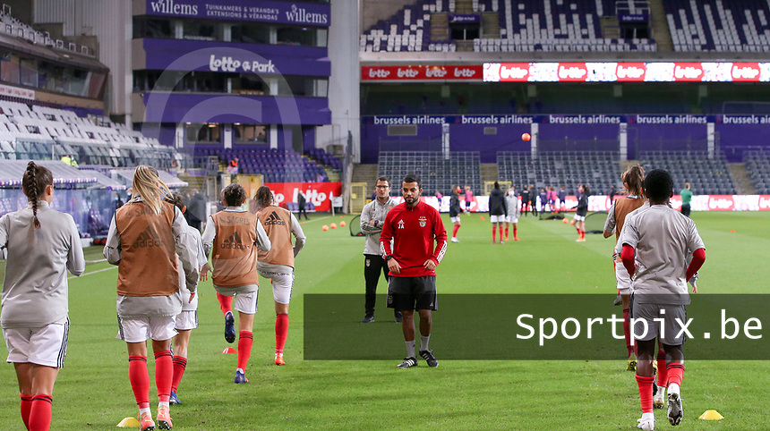 Benfica players warming up before a female soccer game between RSC Anderlecht Dames and Portugese Benfica Ladies  in the second qualifying round for the Uefa Womens Champions League of the 2020 - 2021 season , Wednesday 18 th of November 2020  in ANDERLECHT , Belgium . PHOTO SPORTPIX.BE | SPP | SEVIL OKTEM
