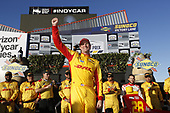 Ryan Hunter-Reay, Andretti Autosport Honda celebrates in victory lane