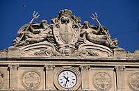 Europe/France/Provence-ALpes-Côte d'Azur/13/Bouches-du-Rhône/Marseille: Armes de la ville sur la façade de la chambre de commerce et musée de la marine édifié par l'architecture Pascal Coste et inauguré par Napoléon III en 1860