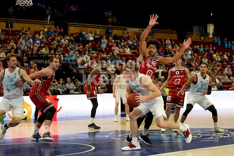 GRONINGEN - Basketbal , Open Dag met Donar - Antwerp Giants , voorbereiding seizoen 2021-2022, 05-09-2021,  Donar speler Henry Caruso