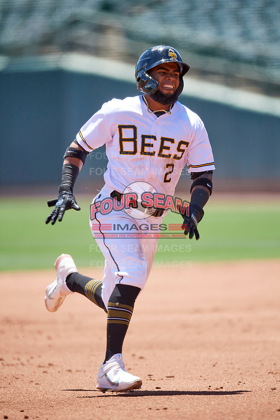 Luis Rengifo (2) of the Salt Lake Bees runs to third base base against the Round Rock Express at Smith's Ballpark on May 31, 2021 in Salt Lake City, Utah. The Express defeated the Bees 8-6. (Stephen Smith/Four Seam Images)