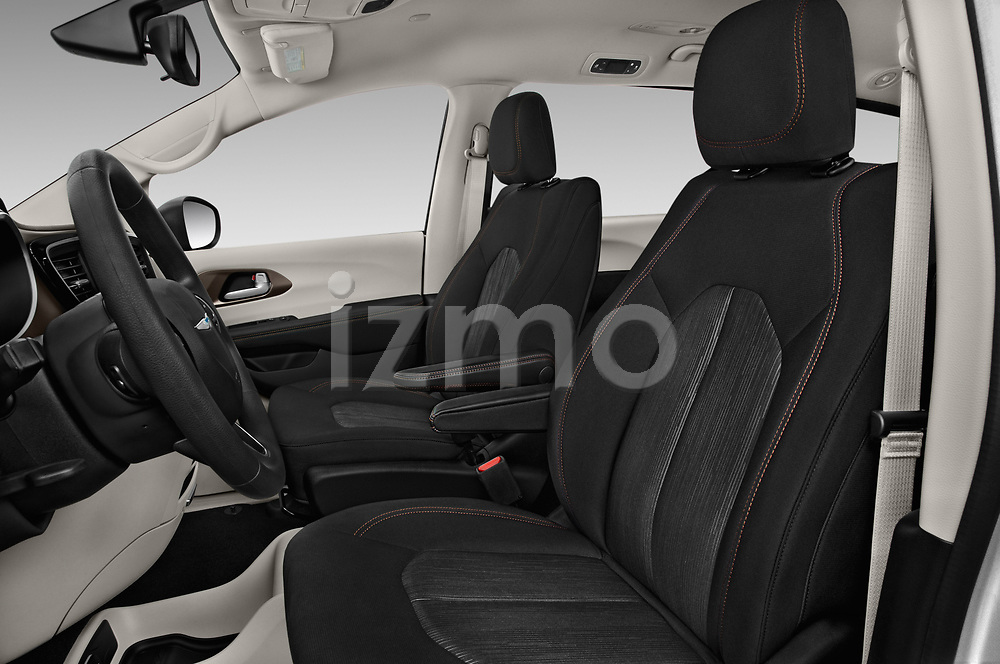Front seat view of a 2018 Chrysler Pacifica LX 5 Door Mini Van front seat car photos