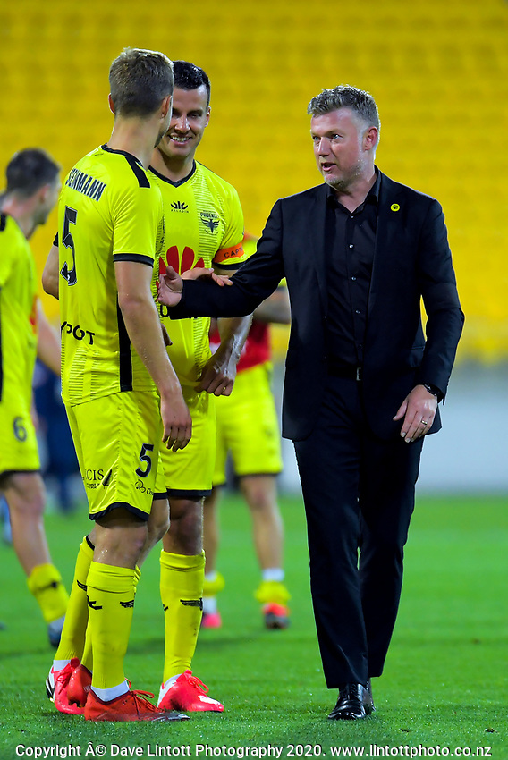 Phoenix coach Ufuk Talay thanks Phoenix's Matti Steinmann after the A-League football match between Wellington Phoenix and Melbourne Victory FC at Sky Stadium in Wellington, New Zealand on Sunday, 15 March 2020. Photo: Dave Lintott / lintottphoto.co.nz