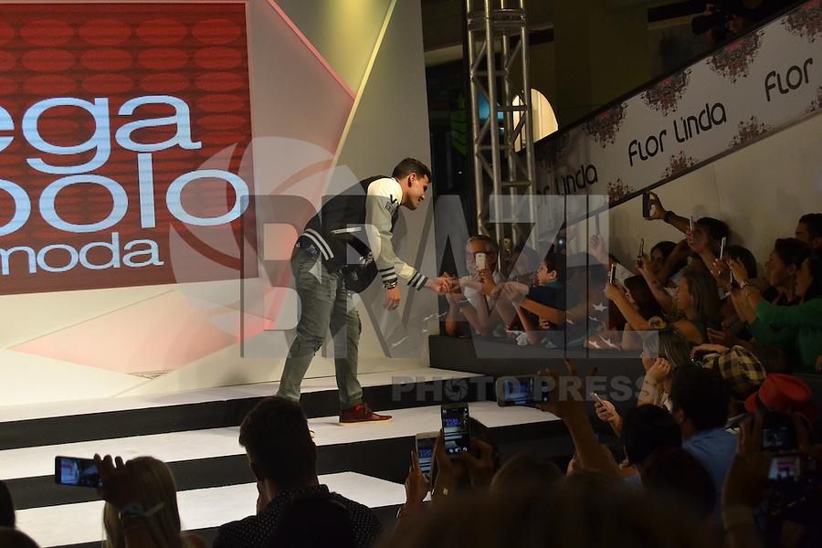 SÃO PAULO, SP, 22.02.2016 - MEGA-POLO - Luciano Cazarre durante na 20ª edição do Mega Fashion Week, no Mega Polo Moda, shopping atacadista localizado no bairro do Brás, na zona leste da capital paulista, nesta segunda-feira, 22.(Foto: Eduardo Martins/Brazil Photo Press)