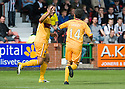 MOTHERWELL'S MICHAEL HIGDON CELEBRATES WITH KEITH LASLEY AFTER HE  SCORES MOTHERWELL'S FIRST GOAL