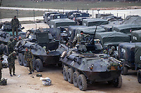 - US Marines LAV 25 armored cars during operations in Bosnia-Herzegovina....- US Marines, autoblindo LAV 25 durante operazioni in Bosnia-Herzegovina