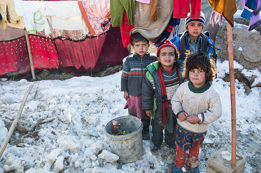 Children in a Kabul displacement camp in winter 2-1-13