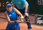 May 25,2016:   Shuai Zhang (CHN) loses to Samantha Stosur (AUS) in the first set 6-3, at the Roland Garros being played at Stade Roland Garros in Paris, .  ©Leslie Billman/Tennisclix/CSM