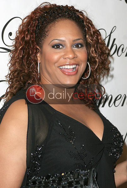 Kim Coles<br /> at the 1st Annual Read To Succeed Literary Gala, Renaissance Hollywood Hotel, Hollywood, CA. 11/11/06<br /> Marty Hause/DailyCeleb.com 818-249-4998