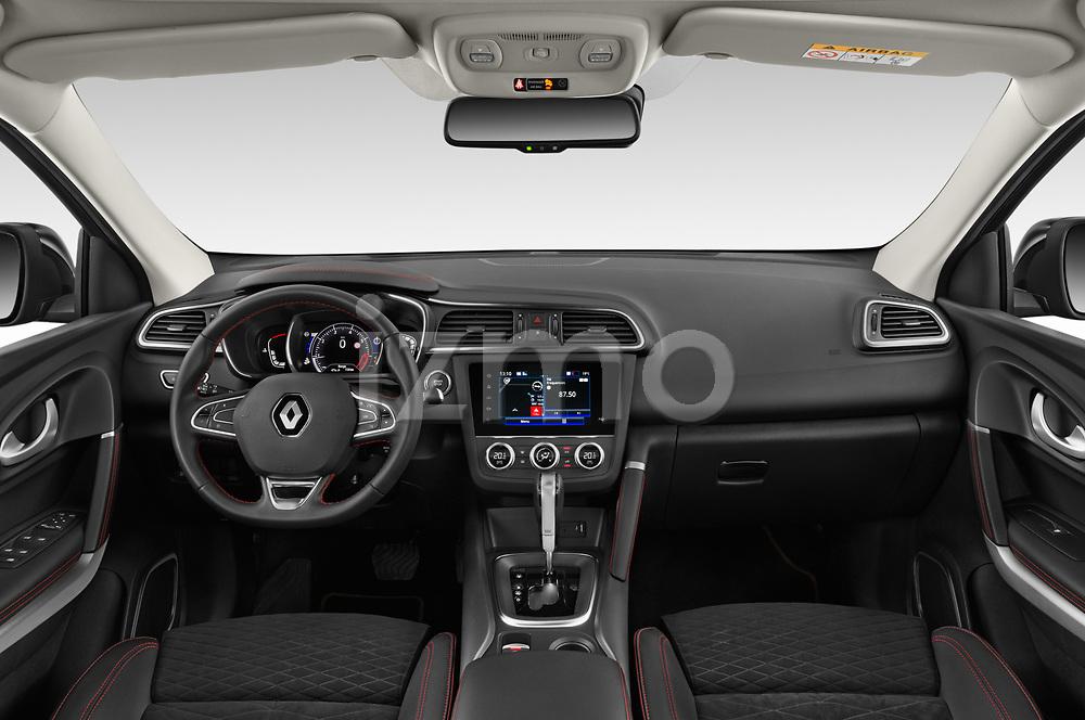 Stock photo of straight dashboard view of a 2019 Renault Kadjar Black-Edition 5 Door SUV