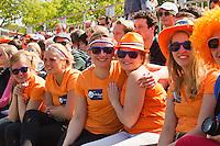 27-05-13, Tennis, France, Paris, Roland Garros, Dutch supporters from the Groningen University