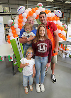 Justin Tipuric (TOP R) with dad Carl holding Ashton and daughters Lexi 6 and Kaitlin 12 from Neath