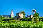 Deutschland, Nordrhein-Westfalen, Xanten: ehemalige Stiftskirche St. Viktor (Xantener Dom) im Hintergrund und LVR-Archaeologischer Park Xanten | Germany, Northrhine-Westphalia, Xanten: Xanten cathedral and LVR-Archaelogical Park Xanten