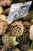 Europe/France/Provence-ALpes-Côte d'Azur/13/Bouches-du-Rhône/Marseille: Artichauts sur le marché des Capucins