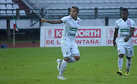 MANIZALES -COLOMBIA, 8-11-2020: Dayro Moreno del Once Caldas celebra después de anotar el primer gol de su equipo durante el partido entre Once Caldas y el Deportivo Cali por la fecha 18 de la Liga BetPlay DIMAYOR I 2020 jugado en el estadio Palogrande de la ciudad de Manizales. / Dayro Moreno of Once Caldas celebrates after scoring the first goal of his team during match between Once Caldas  and Deportivo Cali for the date 18 BetPlay DIMAYOR League I 2020 played at Palogrande stadium in Manizales city city. Photo: VizzorImage/ Pablo Bohorquez / Contribuidor