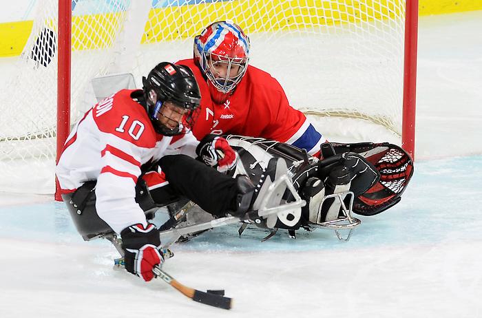 Shawn Matheson, Vancouver 2010 - Para Ice Hockey // Para-hockey sure glace.<br /> Team Canada plays in Para Ice Hockey action // Équipe Canada jouer dans un match de para-hockey sur glace. 16/03/2010.