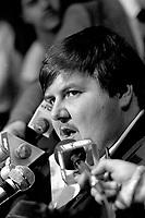mario Cotton<br /> , president du syndicat des ambulancier, en conference de presse, le 26 novembre 1986<br /> <br /> PHOTO D'ARCHIVE : Agence Quebec Presse