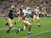 Notre Dame tailback Julius Jones runs for a touchdown against Pitt on October 6, 2001