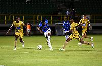 TUNJA - COLOMBIA, 14-09-2021: Boyaca Chico F.C y Atletico F. C. durante partido de la fecha 8 por el Torneo BetPlay DIMAYOR II 2021 en el estadio La Independencia de la ciudad de Tunja. / Boyaca Chico F. C. and Atletico F. C. during a match of the 8th for the BetPlay DIMAYOR II 2021 Tournament at La Independencia stadium in Tunja city. / Photo: VizzorImage / Macgiver Baron / Cont.