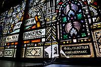 USA Chicago, South Side, katholische Kirche St. Anselm, Kirchenfenster mit bemaltem Glas der Firma F.X. Zettler aus München