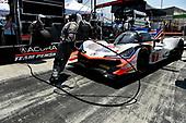 #7 Acura Team Penske Acura DPi, P: Helio Castroneves, Ricky Taylor pit stop.