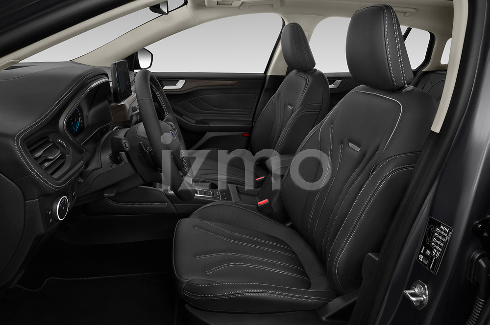 Front seat view of 2019 Ford Focus-Clipper Vignale 5 Door Wagon Front Seat  car photos