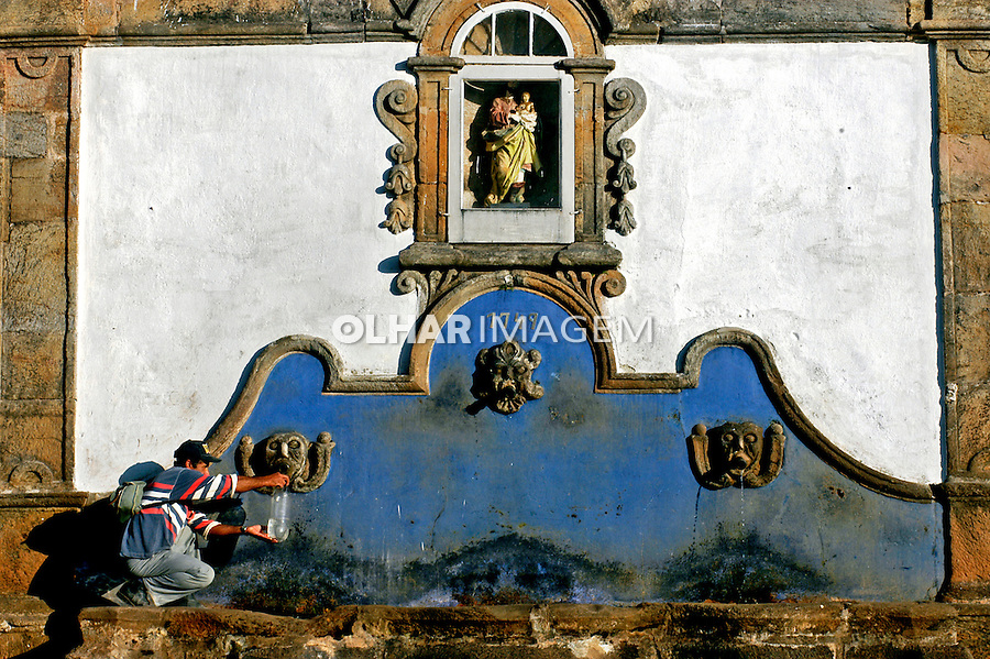 Chafariz em Tiradentes, Minas Gerais. 2004. Foto de Renata Mello.