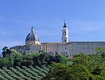 ITA, Italien, Marken, Marienwallfahrtsort Loreto: Kuppel des Sanctuario della Santa Casa | ITA, Italy, Marche, Loreto with dome of Sanctuario della Santa Casa