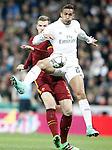 Real Madrid's Danilo da Silva (r) and AS Roma's Edin Dzeko during UEFA Champions League match. March 8,2016. (ALTERPHOTOS/Acero)