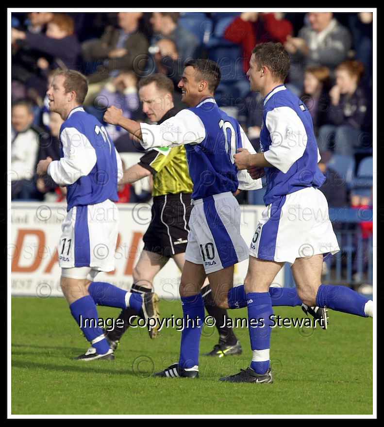 26/10/02       Collect Pic : James Stewart                     .File Name : stewart-qots v ross county 06.DEREK LYLE (10) CELEBRATES AFTER SCORING THE FIRST GOAL..................James Stewart Photo Agency, 19 Carronlea Drive, Falkirk. FK2 8DN      Vat Reg No. 607 6932 25.Office : +44 (0)1324 570906     .Mobile : + 44 (0)7721 416997.Fax     :  +44 (0)1324 570906.E-mail : jim@jspa.co.uk.If you require further information then contact Jim Stewart on any of the numbers above.........