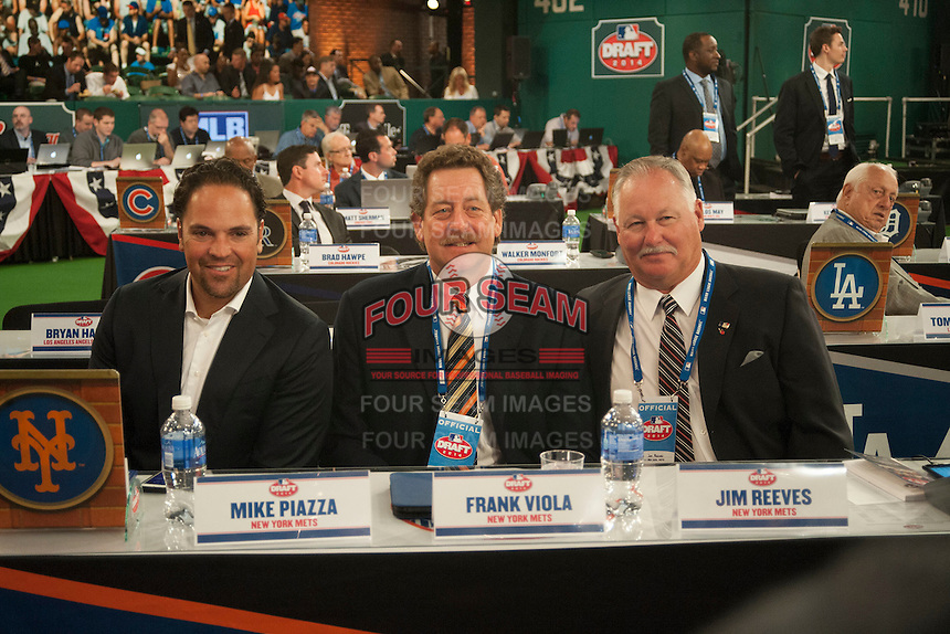 New York Mets Representatives Mike Piazza, Frank Viola, and Jim Reeves during the MLB Draft on Thursday June 05,2014 at Studio 42 in Secaucus, NJ.   (Tomasso DeRosa/ Four Seam Images)