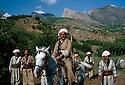 Iraq 1965 <br /> In the mountains of Kurdistan, Mustafa Barzani riding his horse among the peshmergas<br /> Irak 1965<br /> Dans les montagnes du Kurdistan, Mustafa Barzani sur son cheval avec ses peshmergas