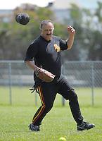 131116 Wellington Softball - Poneke Kilbirnie Presidents v  Porirua City United
