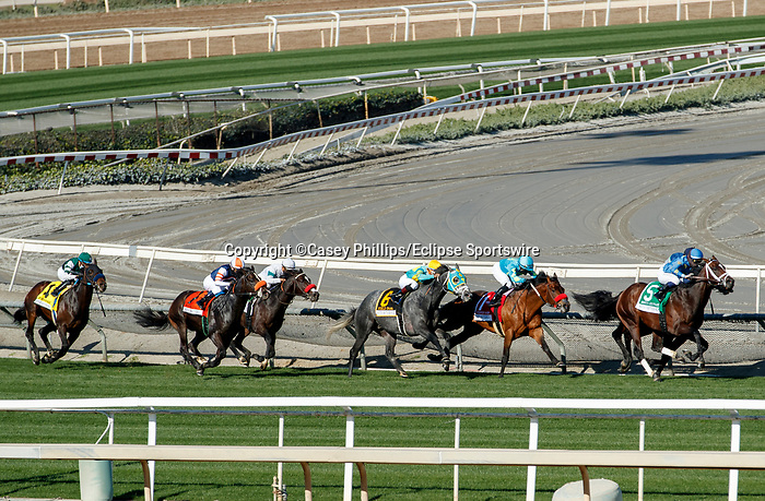 ARCADIA, CA  DEC 26:  The field of the Mathis Brothers Mile (Grade ll) goes into the stretch on December 26, 2020 at Santa Anita Park in Arcadia, CA.   (Photo by Casey Phillips/Eclipse Sportswire/CSM.)