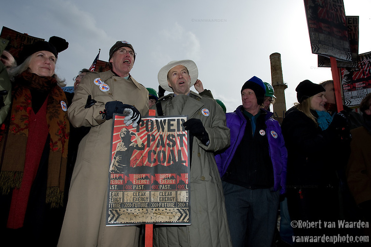 Several high profile individuals, (l-r) Terry Tempest Williams, Bill Mckibben, Dr. James Hansen, (?) and Darryl Hannah, John Quigley at the Capitol Coal Action in Washington, D.C. - ©Robert vanWaarden ALL RIGHTS RESERVED