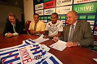 VOETBAL: HEERENVEEN: Abe Lenstra Stadion  SC Heerenveen, contractondertekening Afonso Alves, Afonso Alves & Riemer van der Velde, <br /> ©foto Martin de Jong