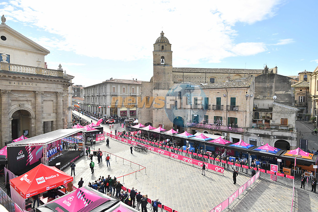 Groupama-FDJ at sign on before the start of Stage 10 of the 103rd edition of the Giro d'Italia 2020 running 177km from Lanciano to Tortoreto, Italy. 13th October 2020.  <br /> Picture: LaPresse/Massimo Paolone | Cyclefile<br /> <br /> All photos usage must carry mandatory copyright credit (© Cyclefile | LaPresse/Massimo Paolone)
