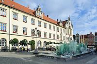 Alte Tuchhalle am Marktplatz (Rynek Glowny) in Wroclaw (Breslau), Woiwodschaft Niederschlesien (Województwo dolnośląskie), Polen, Europa<br /> Former Cloth Hall at Marketplace (Rynek Glowny) in Wroclaw,  Poland, Europe