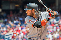 7 August 2016: San Francisco Giants shortstop Brandon Crawford in action against the Washington Nationals at Nationals Park in Washington, DC. The Nationals shut out the Giants 1-0 to take the rubber match of their 3-game series. Mandatory Credit: Ed Wolfstein Photo *** RAW (NEF) Image File Available ***