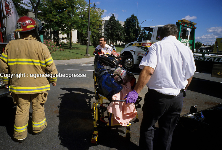 Lachine (Qc) CANADA, September 16, 2007 -<br /> <br /> Car Accident on 32nd avenue in Lachine (Montreal)<br /> <br /> PHOTO : Pierre Roussel - Agence Quebec Presse