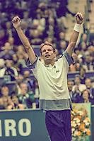 Rotterdam, The Netherlands, 17 Februari 1998, ABNAMRO World Tennis Tournament, Ahoy, 1998, ABNAMRO, Winner Jan Siemerink celebrates<br /> Photo: www.tennisimages.com/Henk Koster